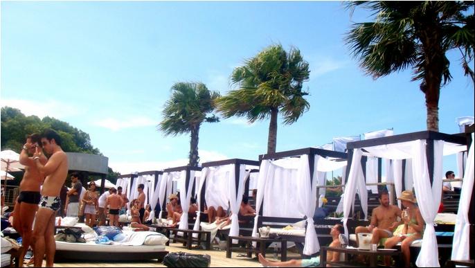 A praia de Jurerê Internacional em Florianópolis