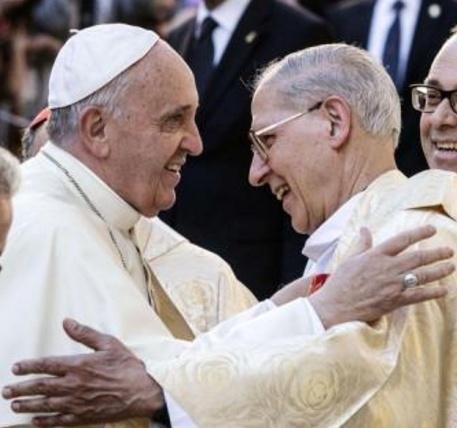 http://www.avvenire.it/Chiesa/Pagine/gesuiti-vigilia-elezione-nuovo-papa-nero.aspx