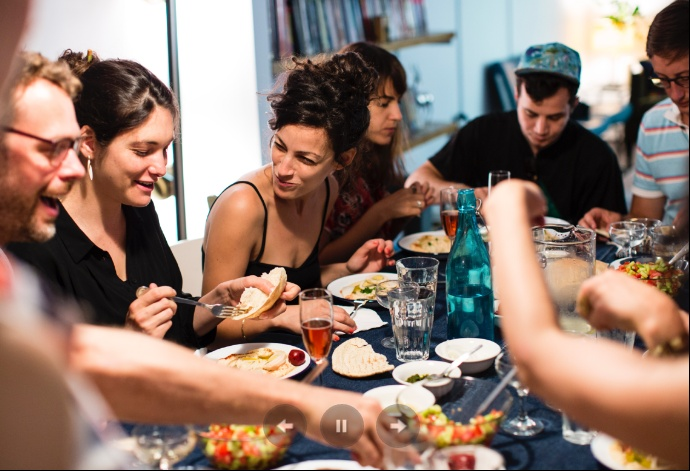 http://www.positivelife.ie/2014/05/the-couchsurfing-of-eating-out-by-elva-carri/